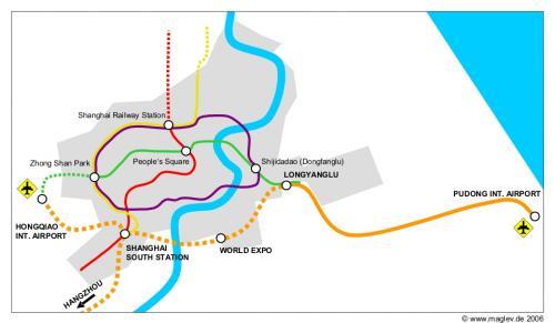 A folyótól jobbra Pudong 15 éve rizsföld és külváros volt. Forrás: Maglev.de