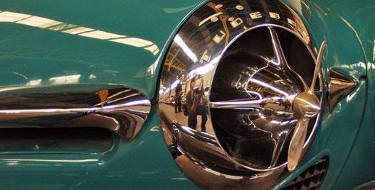 A Studebaker propeller-orra