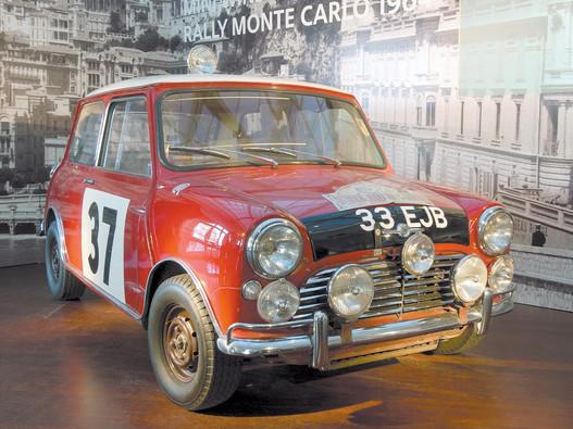 Paddy Hopkirk és Henry Liddon 1964-es Monte Carlo-győztes Mini Coopere