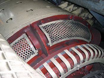 A 600 voltos generátor egyben az önindító is