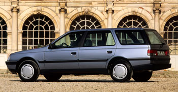 Koporsóforma Peugeot 405 Break