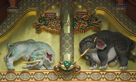 Kézen-közön elvesztek a részletek, hallomásból csak torz elefántot tudott kanyarítani a japán faragómester