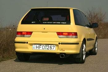 Remus dob, kemény Mazda B2200-rögzítőgumikkal. 115 dB hangnyomás