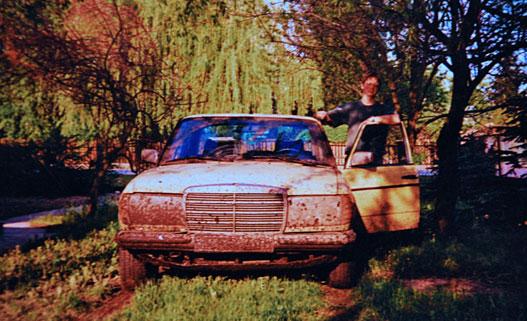 Egy remek sártúrás után, Zala megyei szolgálati lakásom udvarában, valószínűleg '99 nyarán