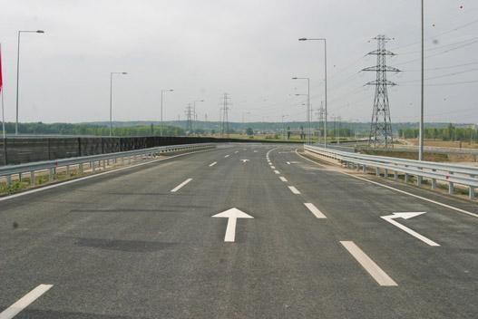 Kihalt autópálya és csak a miénk