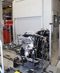 Jó pár csatlakozót, adaptertraknak a motorra, a mérésekhez