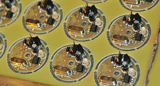 Ez az elektronika is ott készült. Nem tartozik a tárgyhoz, de annyira szép munka, hogy muszáj volt lefényképeznem
