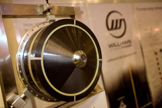 A Williams karbonszálas lendkereke