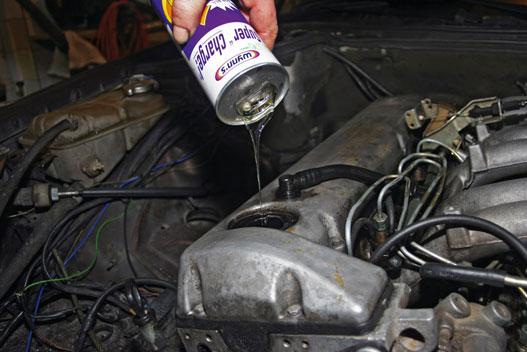 Kopogó, füstölő a motorba regenerálóadalékot, bőven.Hogy az új tulaj mit tesz vele, már nem a mi dolgunk