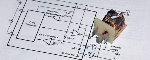 Az interneten találtam műszaki leírást a gyári villogtató IC-ről