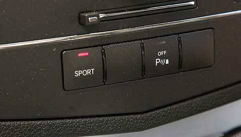 Mercedes C320 sport gomb