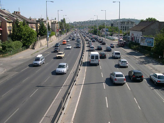 Egy térfigyelő, a Budaörsi úton