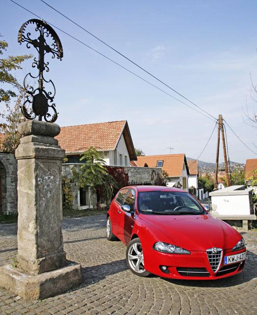 Szentendre, de az Alfát látván akár mediterrán olasz falucskának is hihetnénk