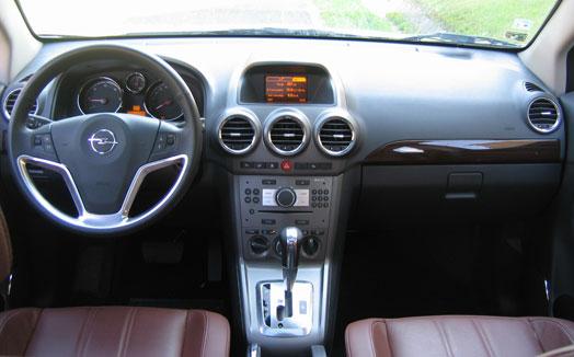Tipikus Opel, csak vásári bizsuba öltöztetve