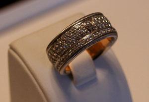 Csúcsgyűrű, dupla siklócsapágy, x karát, 4,5 milla