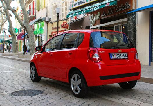 Francia közeg, olasz design, koreai autó, amerikai név. Ami eredetileg francia volt