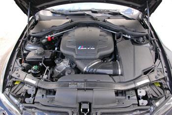 Az M3 V8-asa ugyanott készül, ahol az F-1-es blokkok
