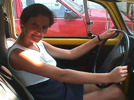 Dr. Sótonyi Gergelyné és a VW. Kattintson, és megnyílik a régi fotók galériája