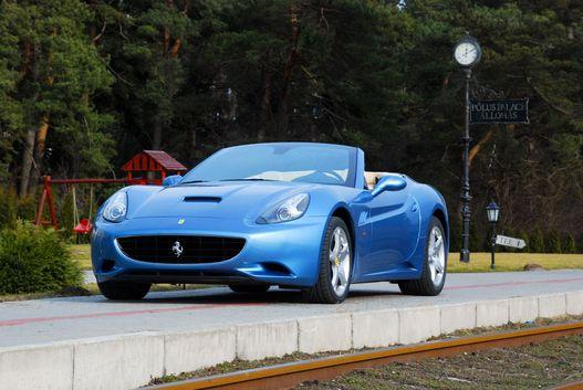 Egzotikus autókról is akad ítélet, Ferrariról épp húsz
