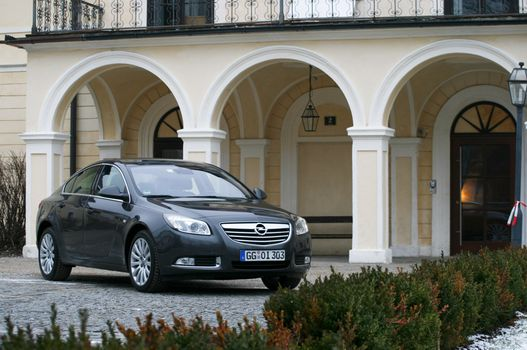 Megérkeztünk. Az Opel végre kellemes formájú autót gyárt