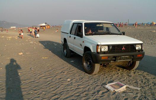 Albán strandon. Ezen a gépen nem dísz a kartervédő lemez