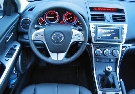 A Mazda barátságosan körülöleli a vezetőt