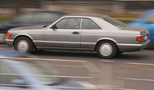 Előnyös testtartásban: W126 560 SEC