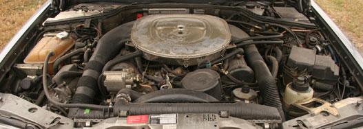 Semmi üvöltő, V8-as bugyborékolás. Ehhez az autóhoz még nem nyúlt balkáni autóbuherátor