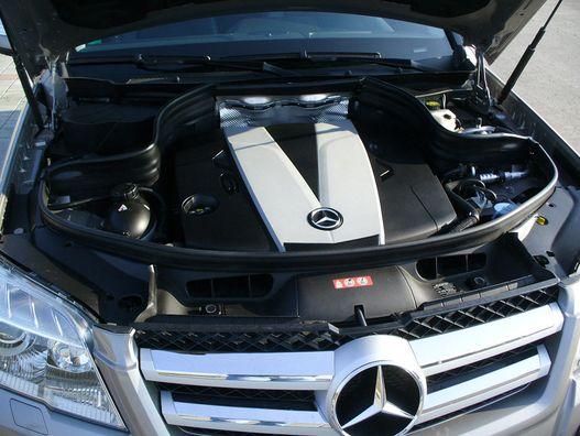 V6-os dízelekkel mentünk a pályán