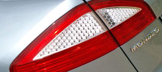 A dizájn mélypontja: a hátsó lámpa ál-LEDjei