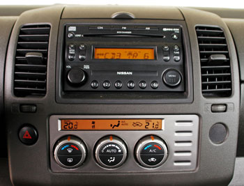 Elöltöltős, hatos CD-tárat minden autóba!