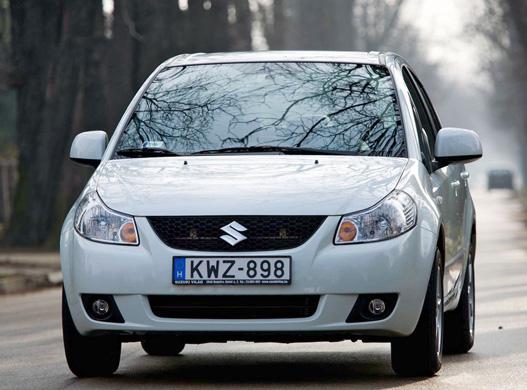 Az SX4 Sedannak az arca a legszebb. Végülis az a legfontosabb
