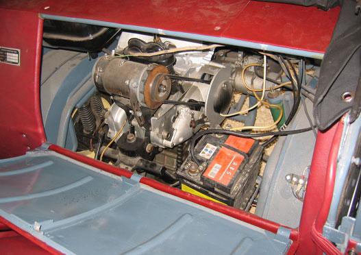 A motor a kabinból szemlélve