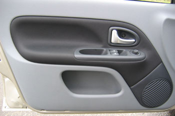 A Clio II ajtókárpitja