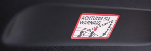 Az Audi szerint rendben van, ha hátul csak nyitott csomagtartóval lehet ülni, ők szóltak