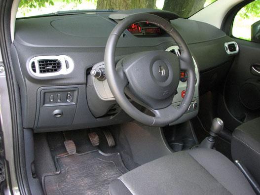 Tipikus Renault-elemekből legóztak új belteret