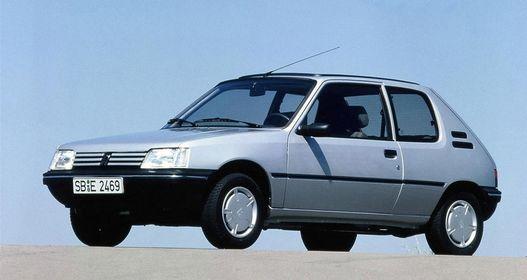 Szerintem ez lett volna a legesélyesebb '84-es Év Autója. Huszonöt év távlatából könnyű
