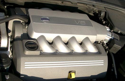 4,4 liter, 440 Nm, 315 LE