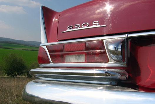 A hátsó lámpatest az autó legszebben kidlgozott részlete