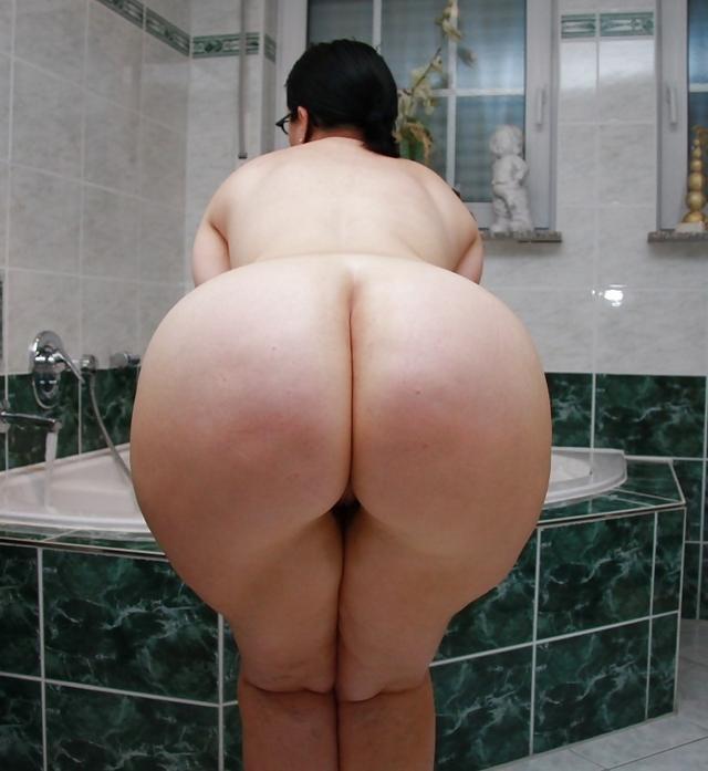Booty nude