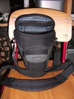 1022e3b50008 Eladó egy Samsonite DSLR táska. Panasonic FZ8, majd Canon EOS 1000D lakott  benne. Szép állapotban van, megtekinthető és átvehető Budapesten. 2500 Ft