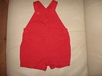db873ceea4 Eladó kislány ruhák! Piros kantáros rövidnadrág 80-as 500ft. Rózsaszin  kantáros rövidnadrág 74-es 500ft. Ujjatlan felsők 74-es 250ft/db