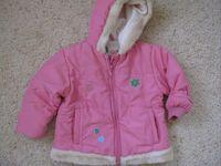 86-os rózsaszín télikabát (Kenguru goldban vásárolt) 4000.- Nagyon szép  díszítések vannak rajta! b7adc000c8