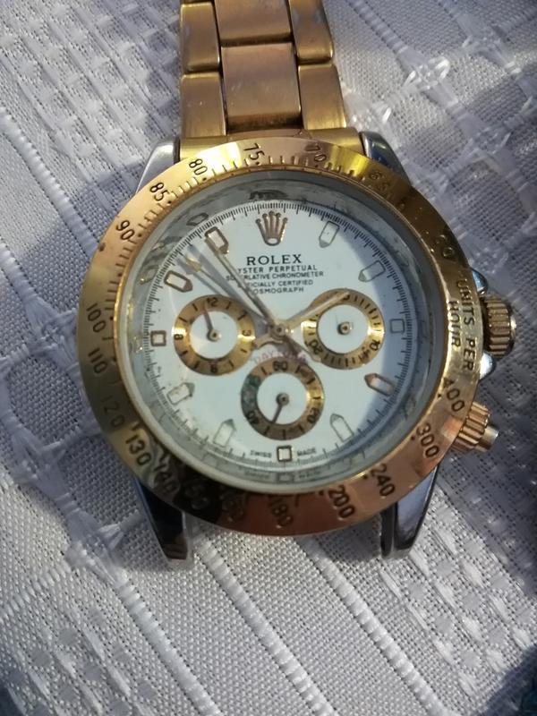 Nézd meg az órák vásárlóinak szórakozását – Replika órák