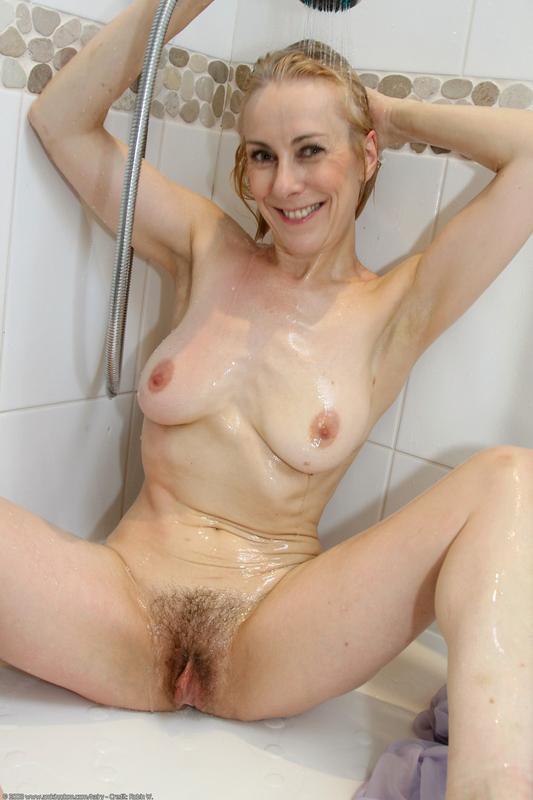 wwe diva lilian garcia naked fakes