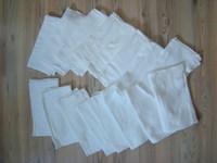 Az egyik fehéren van egy pici folt  ( Váll-ülep h  45-46cm baf1e6b1c3
