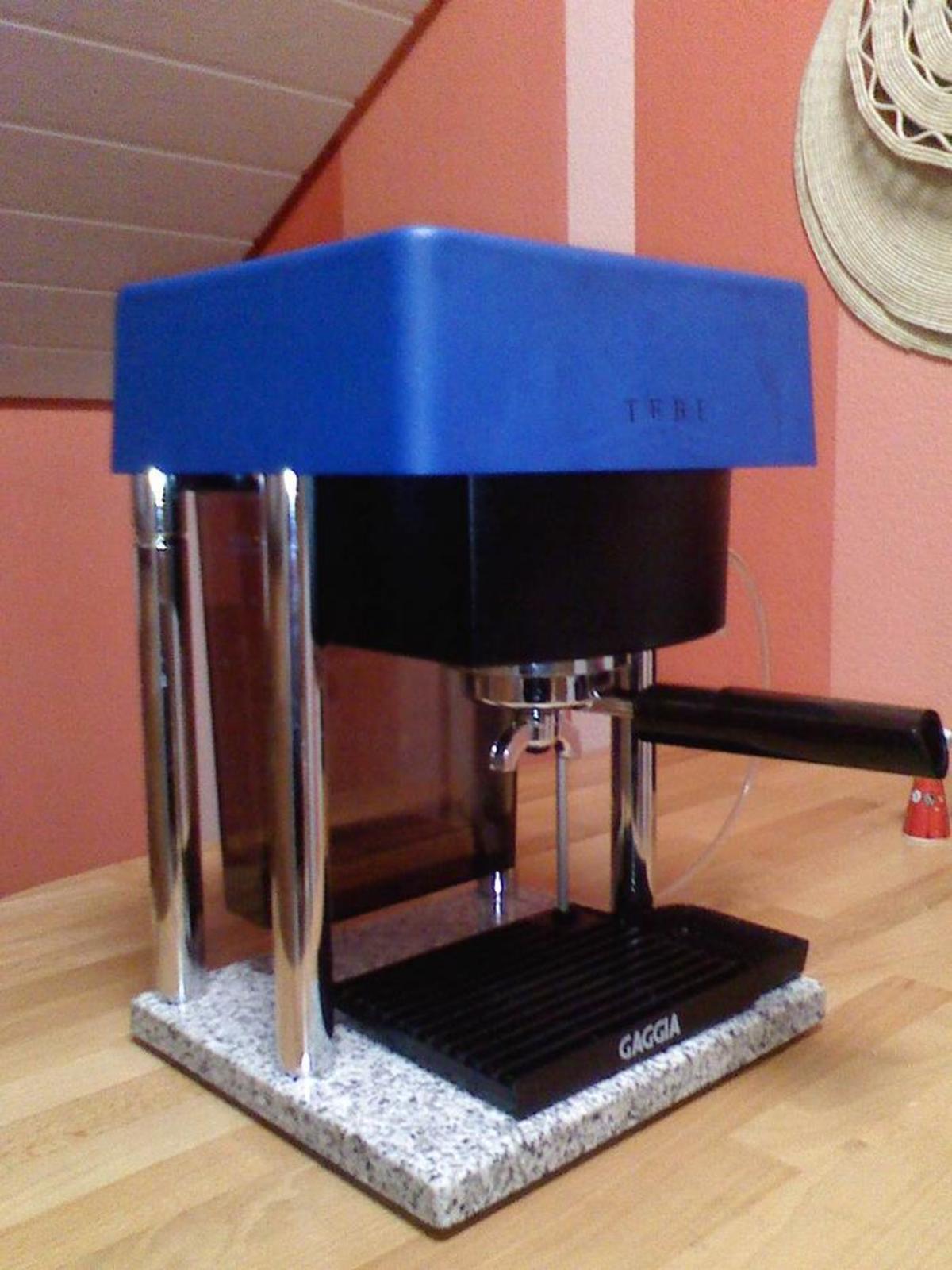 Product Leaflet: 2 féle italt készítő automata eszpresszógépek