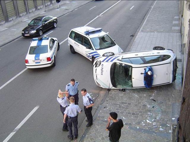 Autós szégyentábla - Index Fórum d6a15037a9