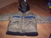 104-es kabát egyik zseb alatt 3 picike pont lyuk nagyon pici 1300ft 90f242d724