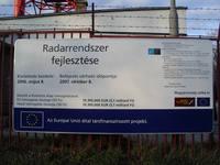 Kőris-hegyi radarfejlesztés információs táblája